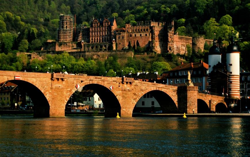 heidelberg_castle_and_bridge